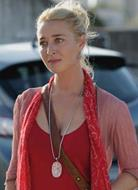 Nina Proudman on Offspring