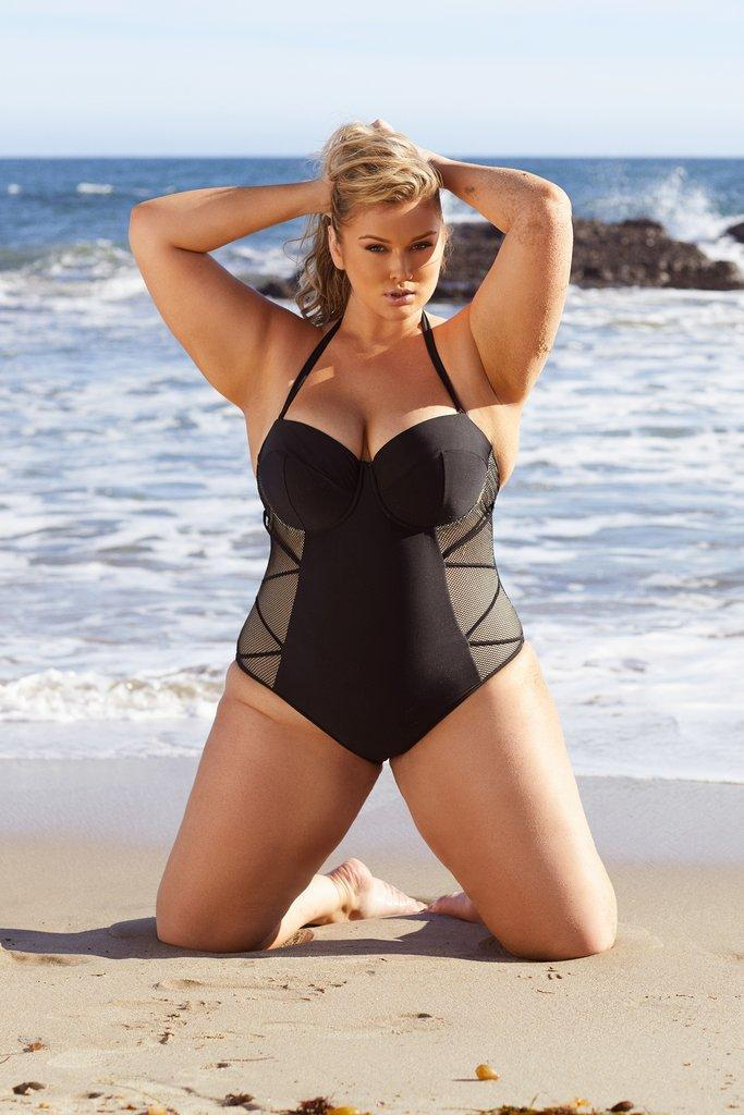 Woman curby Curvy Pants